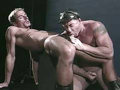 Fuck Me Muscular Leather Man