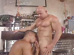 H-O-T action between Akos Piros and Paulo Mickey