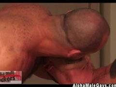 Gay muscle hunk spitroasted