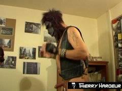 Thierry Hardeur-GORILLA Fantasy Fist