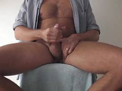 married dad shooting big cum load over his hands and feet
