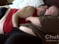 Big Belly Bears Oral Sex