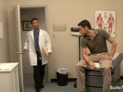 Lusty doctor gets nailed by his gay patient