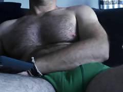 MUSCLE HUNK SHOWING BIG BULGE