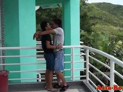 Ethnic filipino teen ass bareback pounded