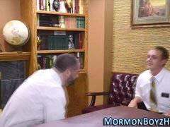 Mormon elder fucks bear