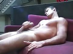 Alex showing off