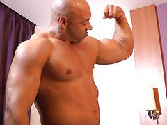 Big new muscle hunk