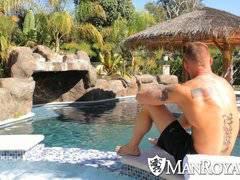 Derek Parker fucks Ethan Slader at gay resort