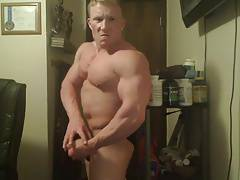 Str8 bodybuilder massive flexing
