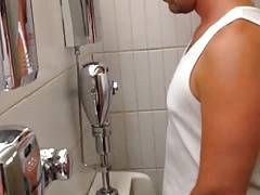 Str8 guy in public toilet