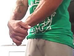 Str8 muscle flexing & freeballing