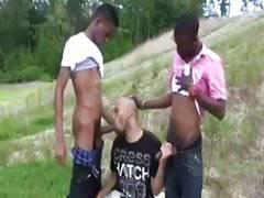 Trio de negros al pelo