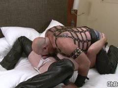 Gay bears in leather fucks bareback anal