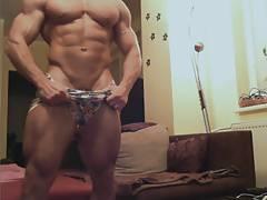 Str8 bodybuilder nude on cam