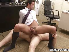 Office hunk assfucking worker during break