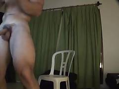 Exciting muscled dude's exhibitionist show