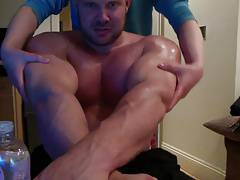 Str8 muscle gets his pecs oiled