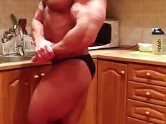 Str8 muscle massive flexing