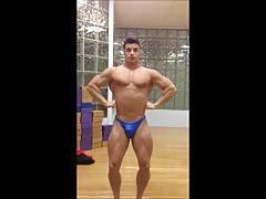 Str8 fit massive flexing
