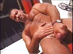 Muscled daddy jerking off