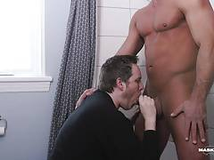 Roommate gives Hunk BJ