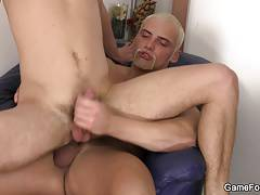 Hetero lad rides horny bulky man's cock
