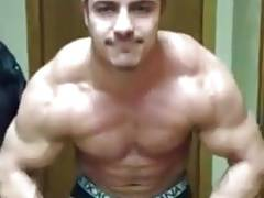Huge str8 bodybuilder escort big bulge posing cam