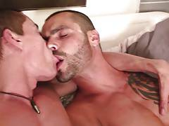 Hot ripped studs with tattooes fuck in the shower