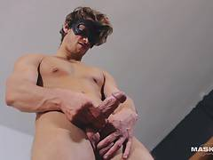 Maskurbate Anonymus Hunk Jerks his Gorgeous Cock