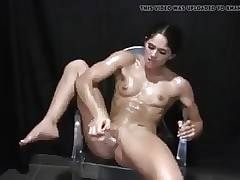 wife muscle masturbation