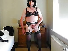 Sissy crossdresser spoiled cumshot