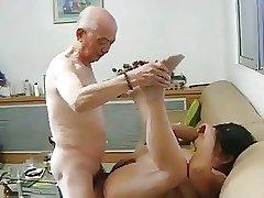 дряхлый инцест - китайская бабушка трахнула пожилого брата