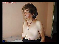 голая бабушка думает об инцесте