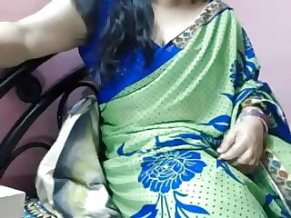 indian plus-size aunty bare displaying on cam