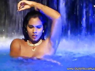 Arab Goddess Displays Allurement