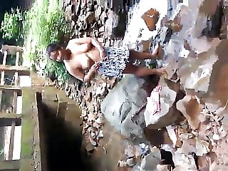 Srilankan damsel Bathtub