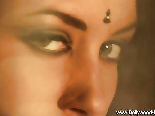 Exotic Bollywood Babe Bare