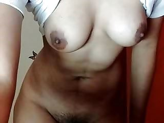 Red-hot Desi Dame Showcasing Tits n Unshaved Vagina