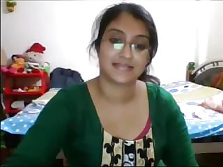 desi honey getting bare and seducing on cam