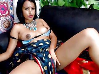 Phat bra-stuffers Indian Webcam