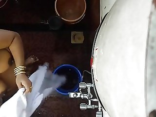 Desi Indian mommy hidden webcam tub 3