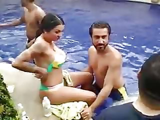 punjabi pool soiree with a bra-less foreigner dame