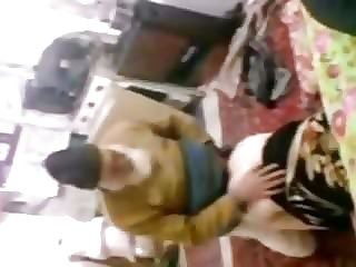 Desi betichodh doggy fashion abbu jaan beti mms caught public