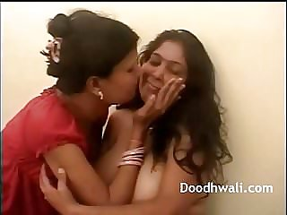 Mature Mumbai Lesbo Housewives Screwing Twat
