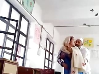 Muslim Collegegirl  Banged By Lecturer