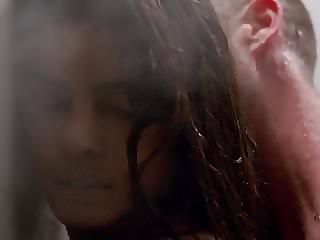 Anabelle Acosta. Priyanka Chopra - Quantico s01e06