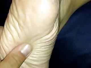 Luxurious Plumper High-heeledshoes and feet