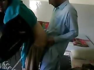 Desi paki teenager secretly fucked by kaamwala naukar