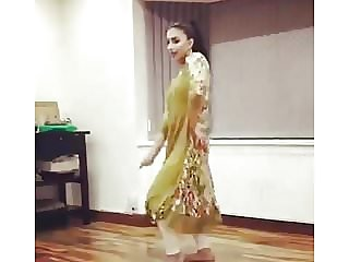 UK Pakistani Uni Female Dance Non Bare Traditional NON Bare